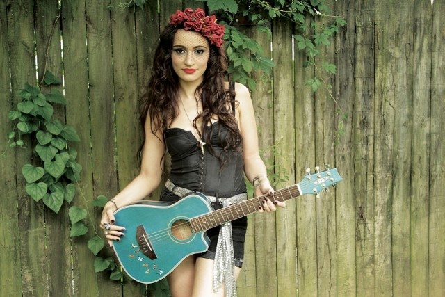 Lindi Ortega website crop