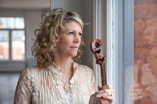 Natalie MacMaster Photo 1