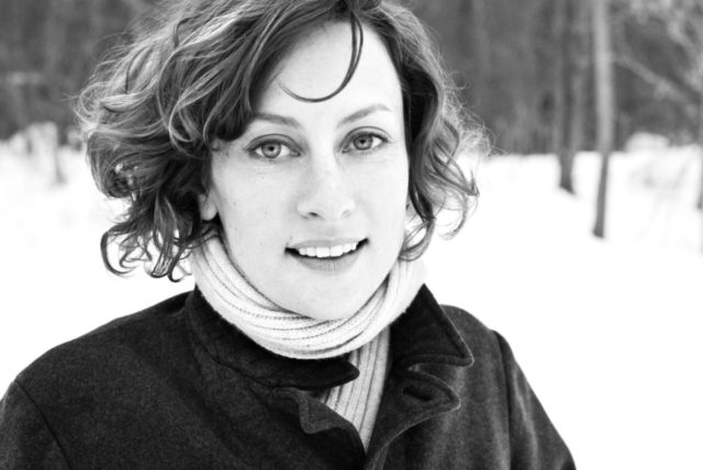 SARAH HARMER Publicity photos / album art Toronto / Kingston, December/January, 2009/2010. Dustin Rabin Photography - Job #2473